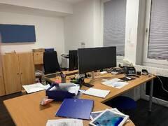 Büro 2.jpg